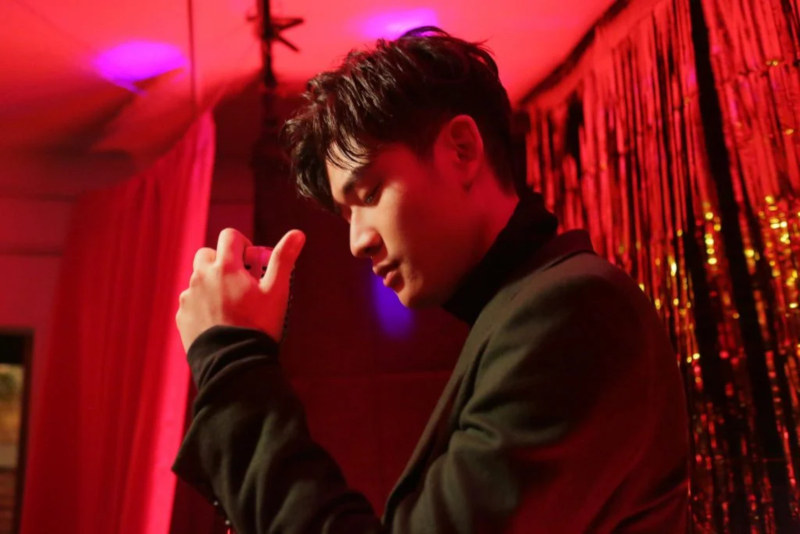 C-TASTIC - Welt der chinesischen Musik: Eric Chou ist ein 2014 debütierter Künstler aus Taiwan. Als ''König des verliebten Volks'' weiß er mit Balladen, wie ''What's Wrong'' und ''How Have You Been'' zu überzeugen >> OTAJI | #CPop #CTASTIC #Mandopop
